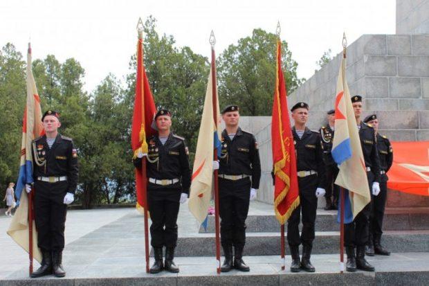 Фестиваль «Знамена Победы» в Севастополе традиционно стартовал «штурмом Сапун-горы»