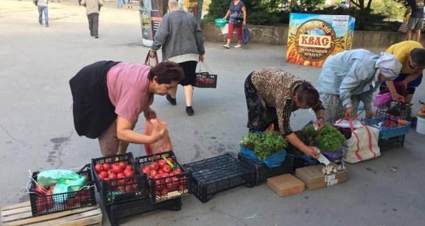 В Симферополе идет настоящая «война» со стихийными торговцами