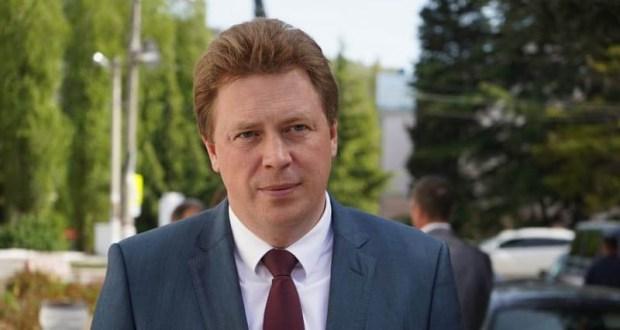 Кремль намекает губернатору Севастополя Дмитрию Овсянникову