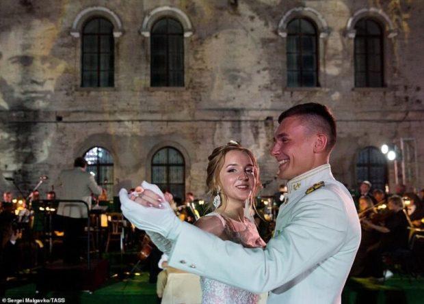 Как много девушек хороших… Британское издание «Daily Mail» восхищено жительницами Севастополя