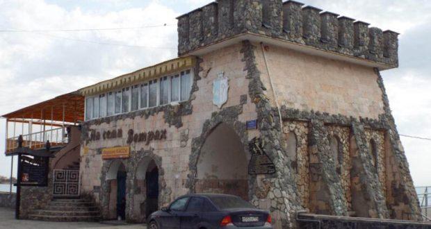 Администрация Евпатории добивается в суде сноса кафе на набережной Терешковой