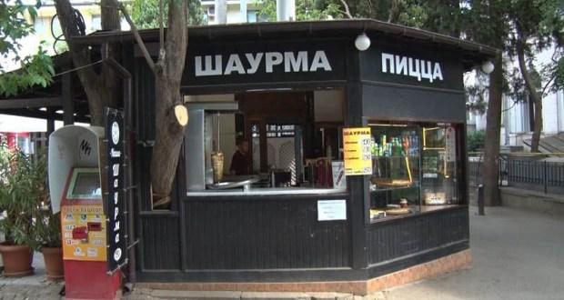 Власти Ялты проверят все нестационарные торговые объекты, где готовят еду