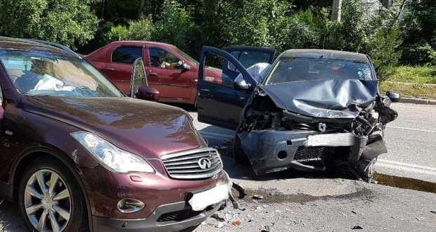 ДТП в Инкермане: пострадала беременная женщина. А причина аварии - оса