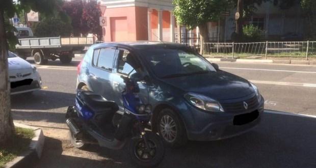 ДТП с участием несовершеннолетнего водителя мопеда в Симферополе