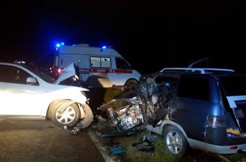 """Авария на трассе """"Черноморское-Евпатория"""" - три машины, есть пострадавший"""