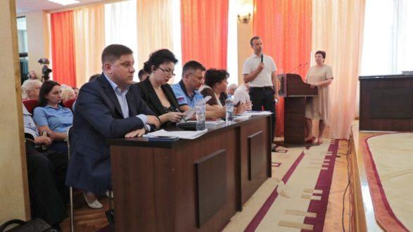 Сергей Аксёнов провёл выездное совещание по проблемным вопросам Керчи