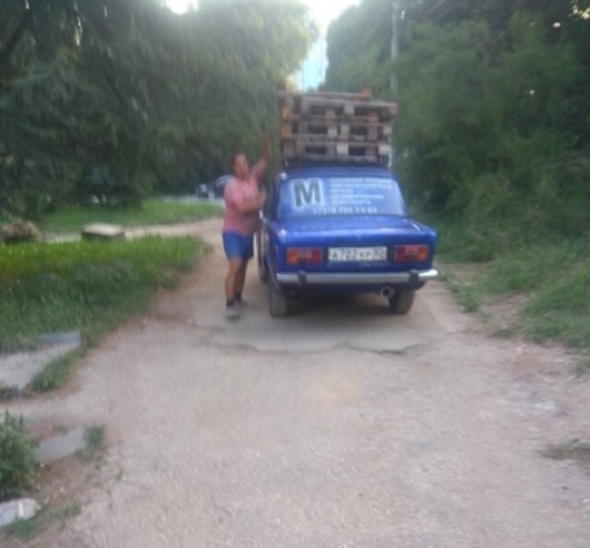 В Симферополе правоохранители «вычислили» похитителей поддонов и кабеля с набережной Салгира
