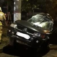 Ночное ДТП в Симферополе: «Pajero Sport» - в столб