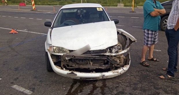 """ДТП на трассе """"Таврида"""": столкнулись «Kia Cerato» и «Toyota Corolla»"""