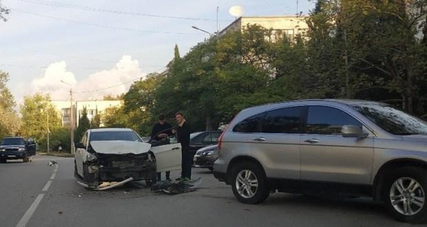 В Севастополе за неделю 12 человек получили травмы в различных ДТП