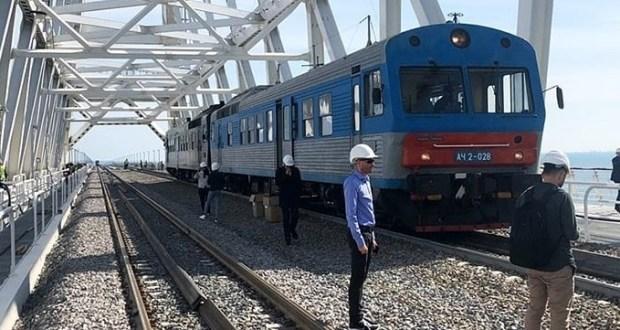 Видео проезда тестового состава по Крымскому мосту