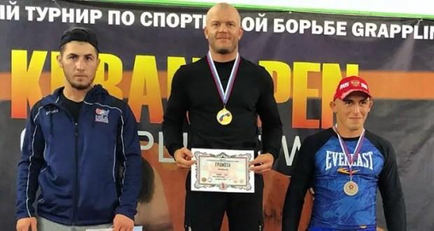 У крымчан - две медали Открытого межрегиональном турнире по спортивной борьбе грэпплинг