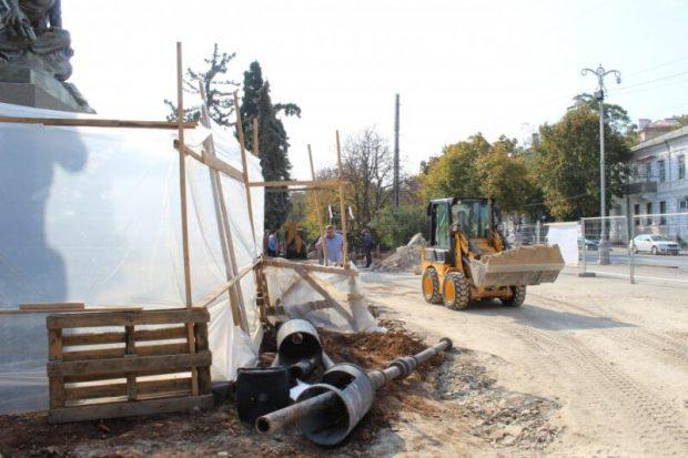 Капремонт в сквере Ленинского комсомола в центре Севастополя планируют завершить к декабрю