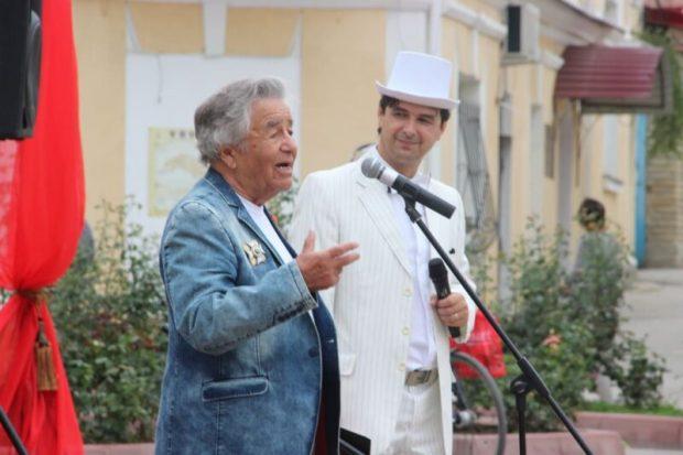 Феодосийский театр «Парадокс» открыл новый сезон