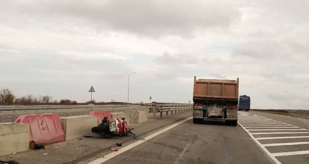 ДТП на въезде в Керчь: пострадал мотоциклист
