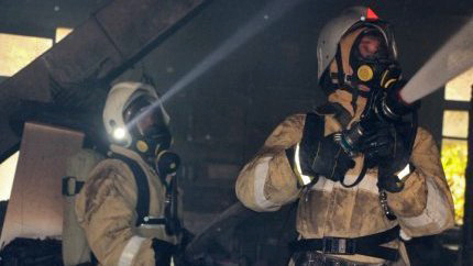 На пожаре в Первомайском районе Крыма едва не погиб мужчина