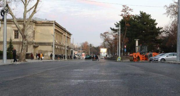 Сегодня поздно вечером возобновится проезд по отремонтированной улице Александра Невского в Симферополе