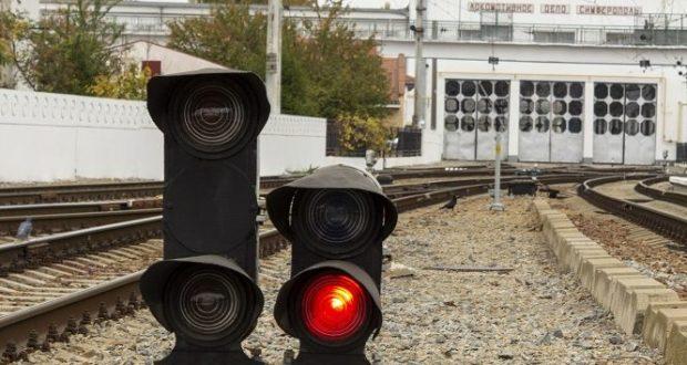 ЧП на станции Нижнегорская в Крыму - под поезд попал 17-летний парень