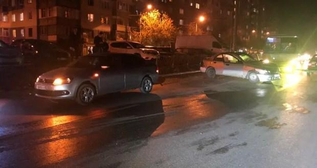 Вечернее ДТП в Симферополе: три авто взяты «на таран»