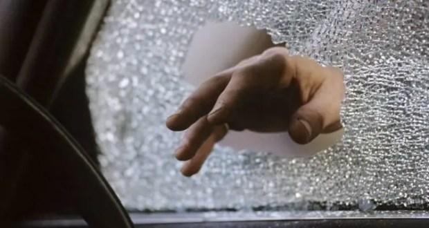 """В Ялте угонщик попросил прохожего помочь ему """"эвакуировать"""" украденное авто"""