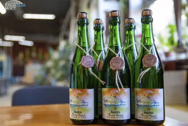 """В конце года в продаже появится коллекционное вино """"Крымский мост"""""""