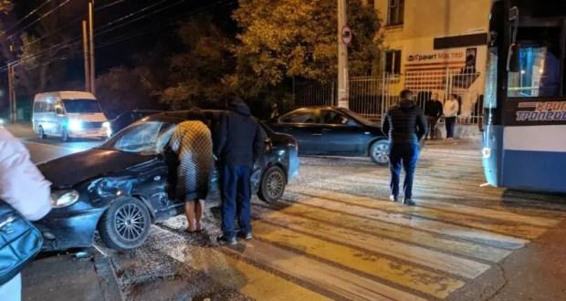 В Симферополе проводятся проверки по двум ДТП: с травмированным пешеходом и с участием троллейбуса