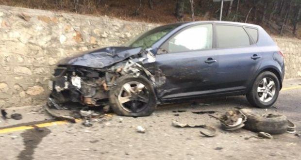 Автомобиль BMW с прицепом спровоцировал массовое ДТП на трассе «Ялта – Севастополь»