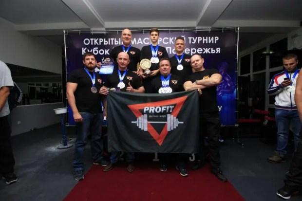Сотрудник МЧС Виктор Стрелков из Севастополя - победитель двух турниров по пауэрлифтингу
