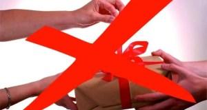 Специалистам Госкомрегистра в Крыму напомнили: принимать подарки от заявителей нельзя!