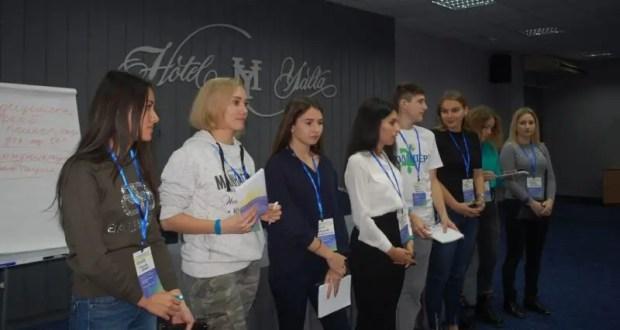 Волонтеров в Крыму учат помогать студентам с инвалидностью и ОВЗ