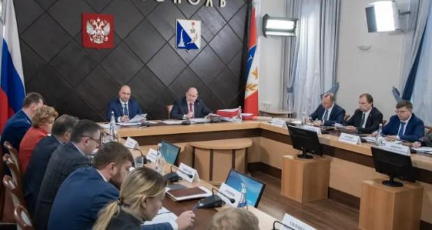 """Севастопольские власти решили сопровождать инвесторов по принципу """"единого окна"""""""