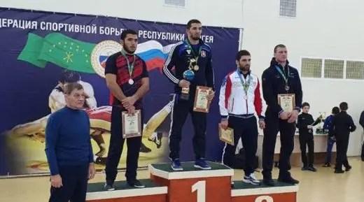 У сборной Крыма - четыре медали чемпионата ЮФО по греко-римской борьбе