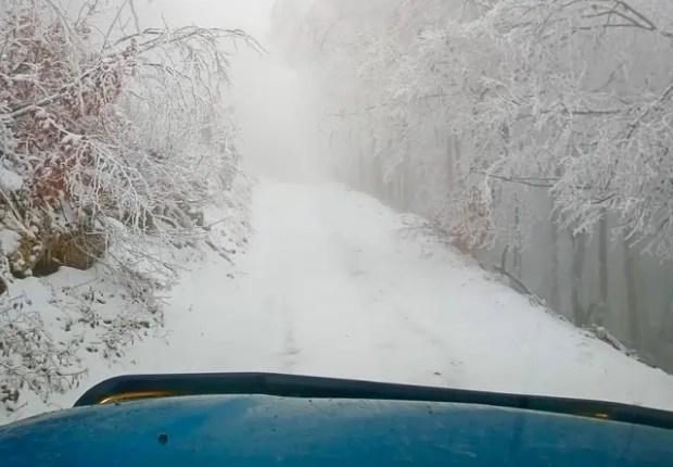 Дорога на Ай-Петри - в снегу