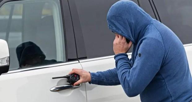 В Керчи задержали угонщика авто, находившегося в федеральном розыске