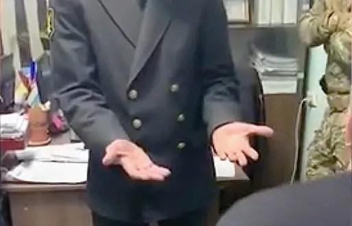 В Керчи на взятке попались судебные приставы
