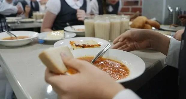 Михаил Развожаев инициирует онлайн-анкетирование по качеству горячего питания для учеников начальной школы