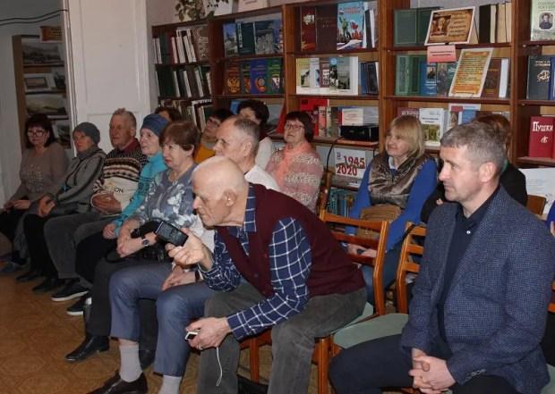 «Доброволец» о своих друзьях: в Балаклаве прошла творческая встреча с Владимиром Илларионовым