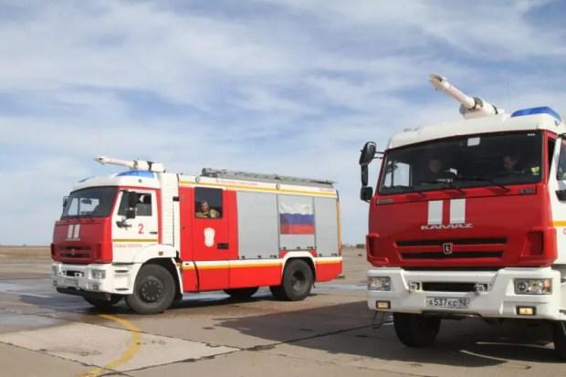 Пожар на воздушном судне - учения сотрудников МЧС России в Севастополе