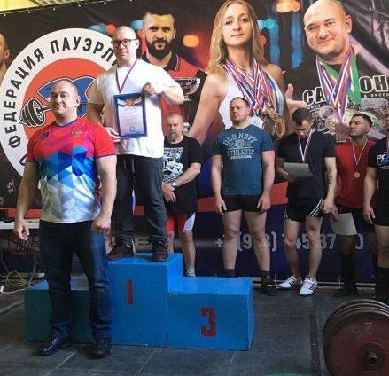 В Севастополе определили победителей Чемпионата и Первенства по пауэрлифтингу
