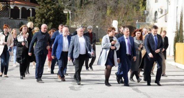 В Ялту нагрянула делегация Госсовета РК