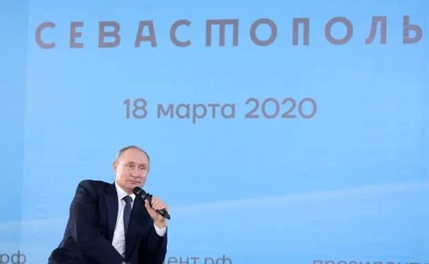 Владимир Путин встретился с общественностью Крыма иСевастополя