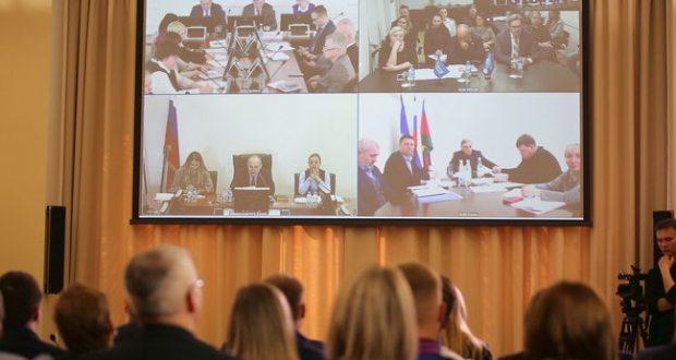 В День воссоединения Крыма с Россией телемост связал «Артек» с детскими центрами «Океан», «Орленок» и «Смена»