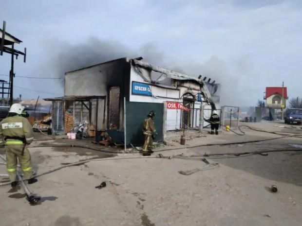 Пожар в Гагаринском районе Севастополя - горел магазин стройматериалов