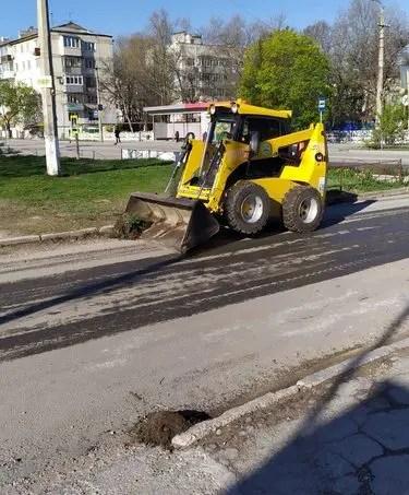 На улицы Симферополя ежедневно выходят 249 дворников