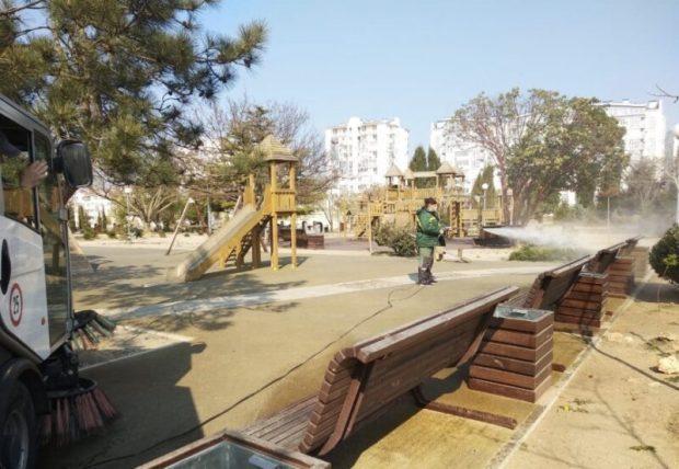 В Правительстве Севастополя уверяют: санитарная чистка объектов благоустройства проводится в спецрежиме