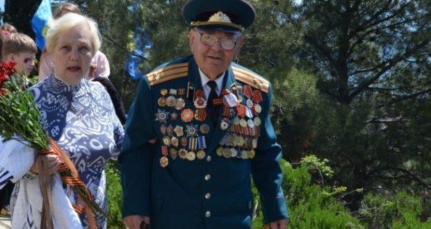 Ялтинские ветераны получают выплаты ко Дню Победы