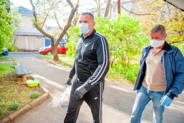 Федерация бокса Севастополя помогает ветеранам-спортсменам