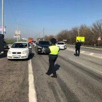 В Крыму ужесточат контроль за передвижением легковых и грузовых автомобилей