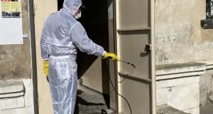 В Севастополе продолжается работа по дезинфекции подъездов многоквартирных домов