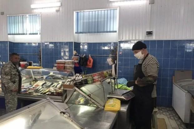 В Симферополе уверяют: на рынках города масочный режим мониторят ежедневно